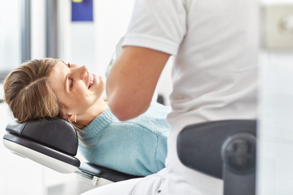 Zahnarztpraxis-designer-professionelles-bleeching