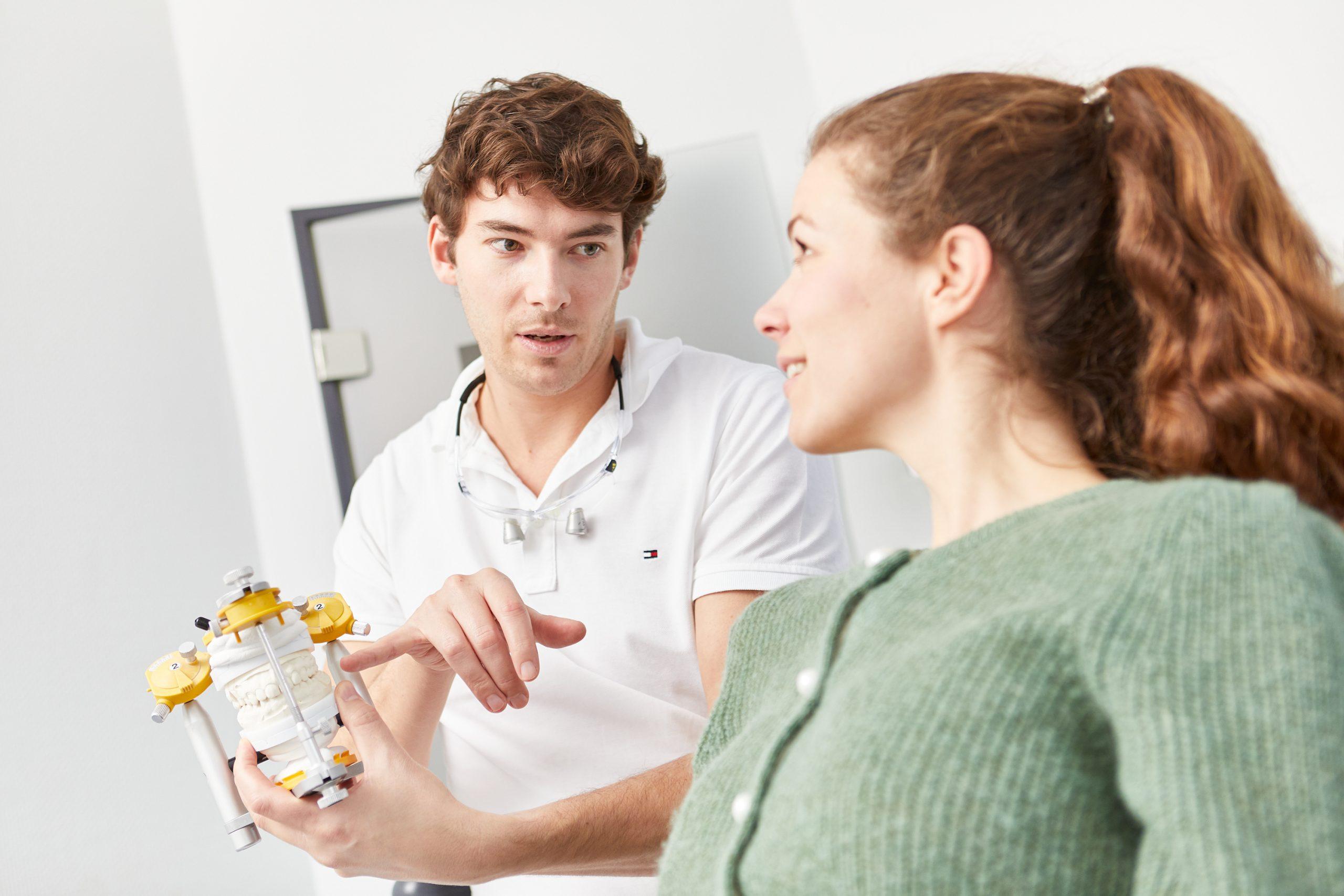 zahnarztpraxis-desinger_alignertherapie